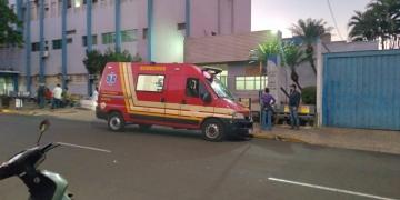 As crianças foram levadas para a Santa Casa pelo Resgate do Corpo de Bombeiros (Foto: Silvio Romeiro/ Araçatuba Acontece)